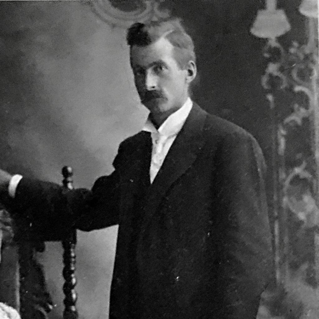 Frederick Sumner Low